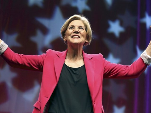 Elizabeth Warren Gets Overwhelming Support at Dems Convention