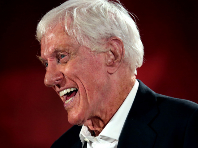 Dick Van Dyke apologizes for awful cockney accent